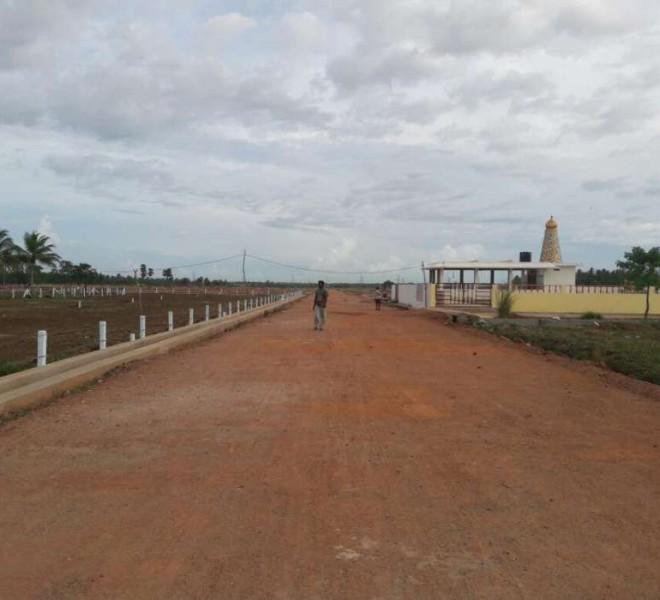 VUDA plots Tuni, near LIC building road